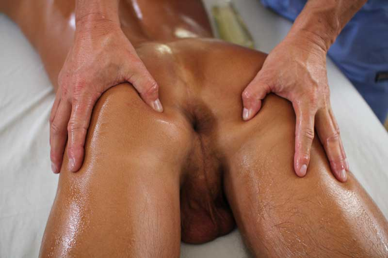 Tyler-Saint-Luke-Milan-Massage