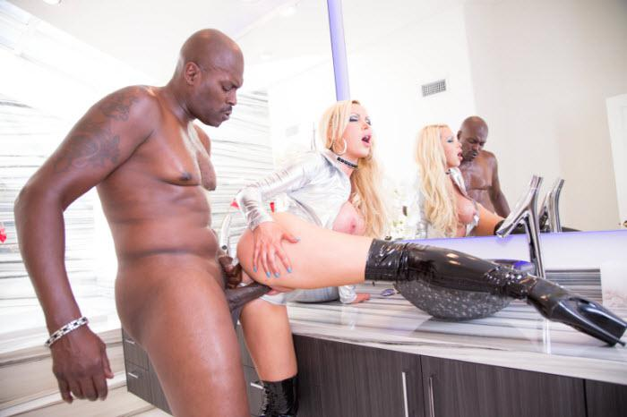 Lexington Steele & Nikki Benz