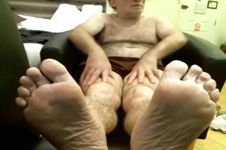 Coach Karl Socks, Bare Feet, and Jack Off in His Favorite New Chair Clip 1 00:10:20